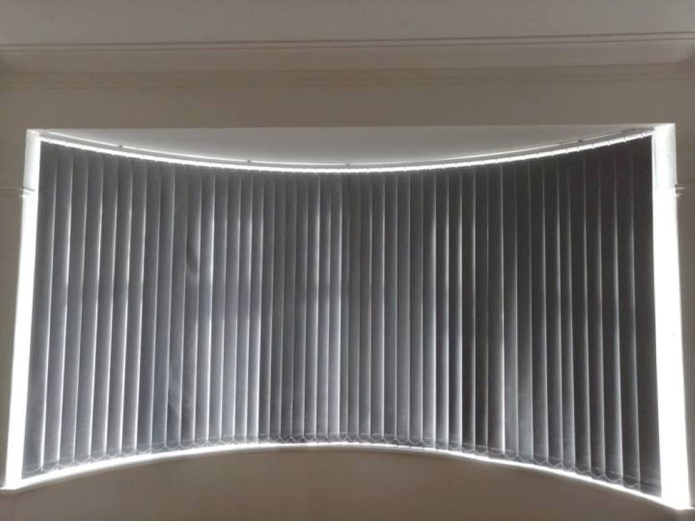 Vertical Blinds curved headrail system